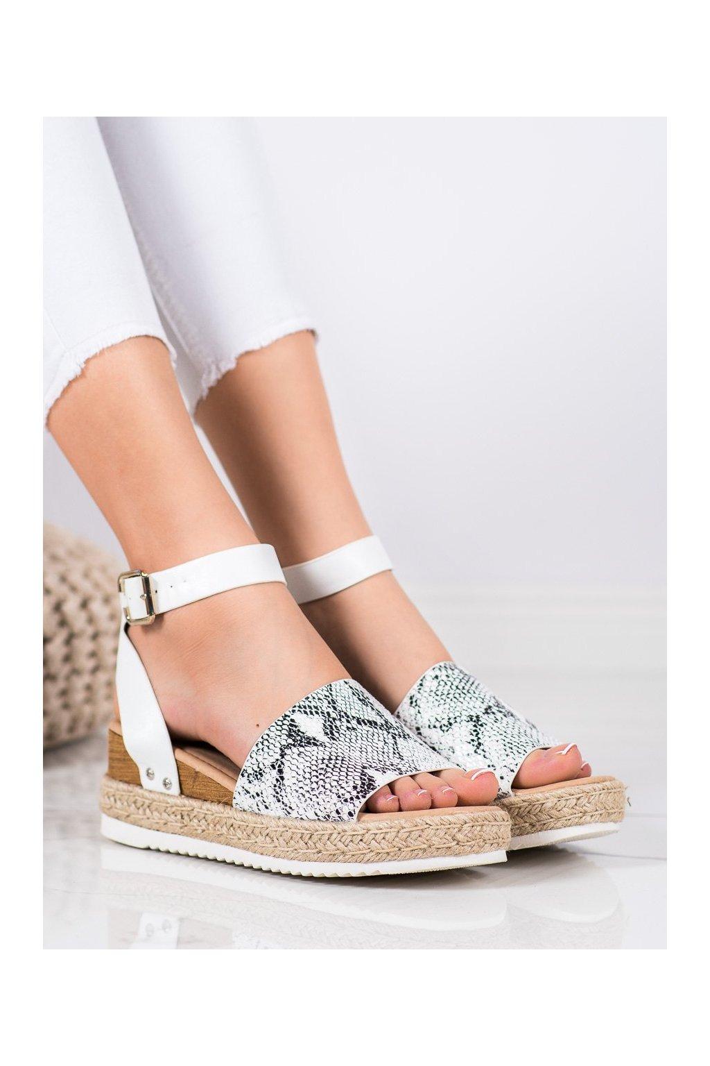 Zvierací motív sandále na platforme Kylie kod K2013401SE