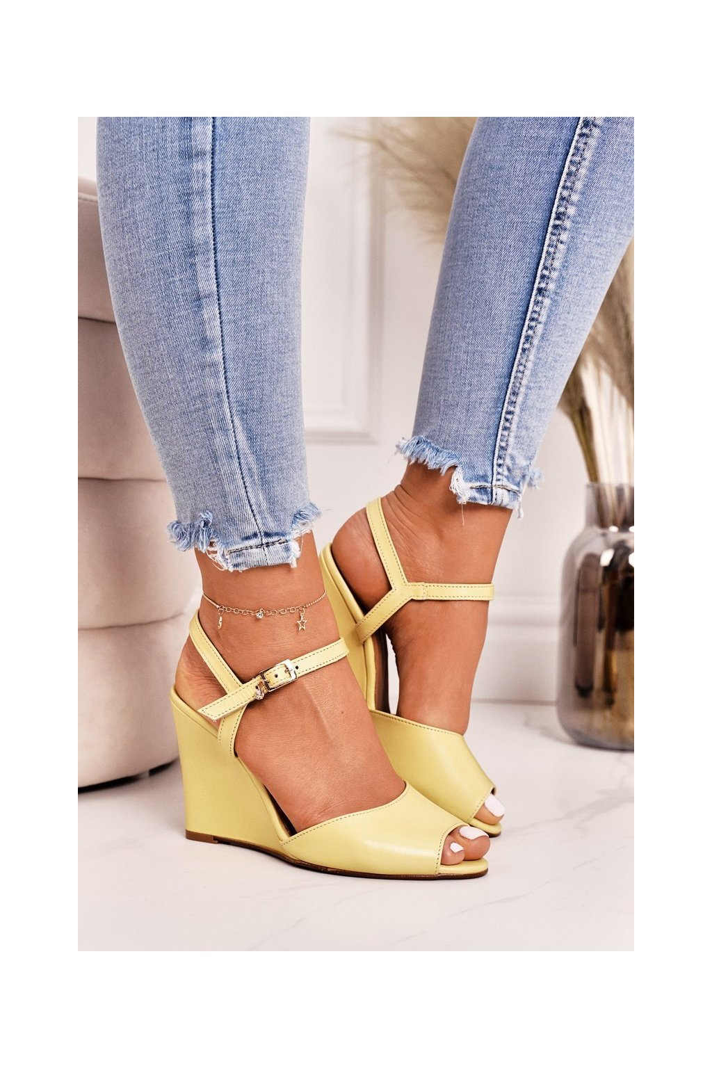 Dámske sandále žlté s platformovým podpätkom 2253 118 YELLOW