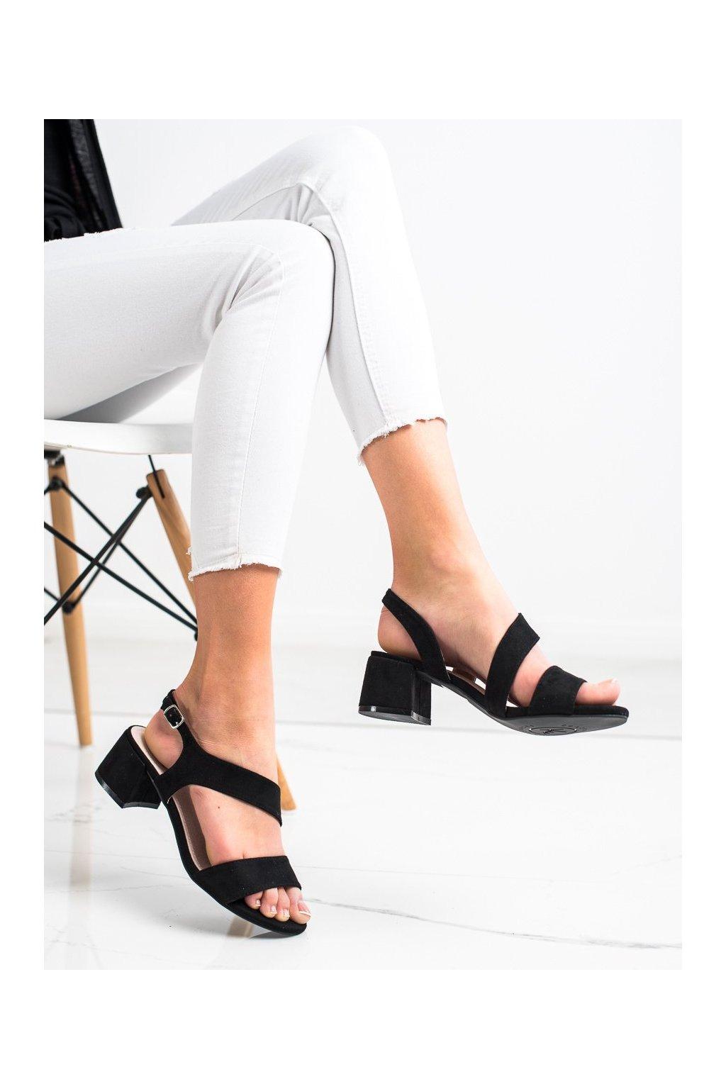 Čierne sandále na podpätku Kylie kod K2013102NE