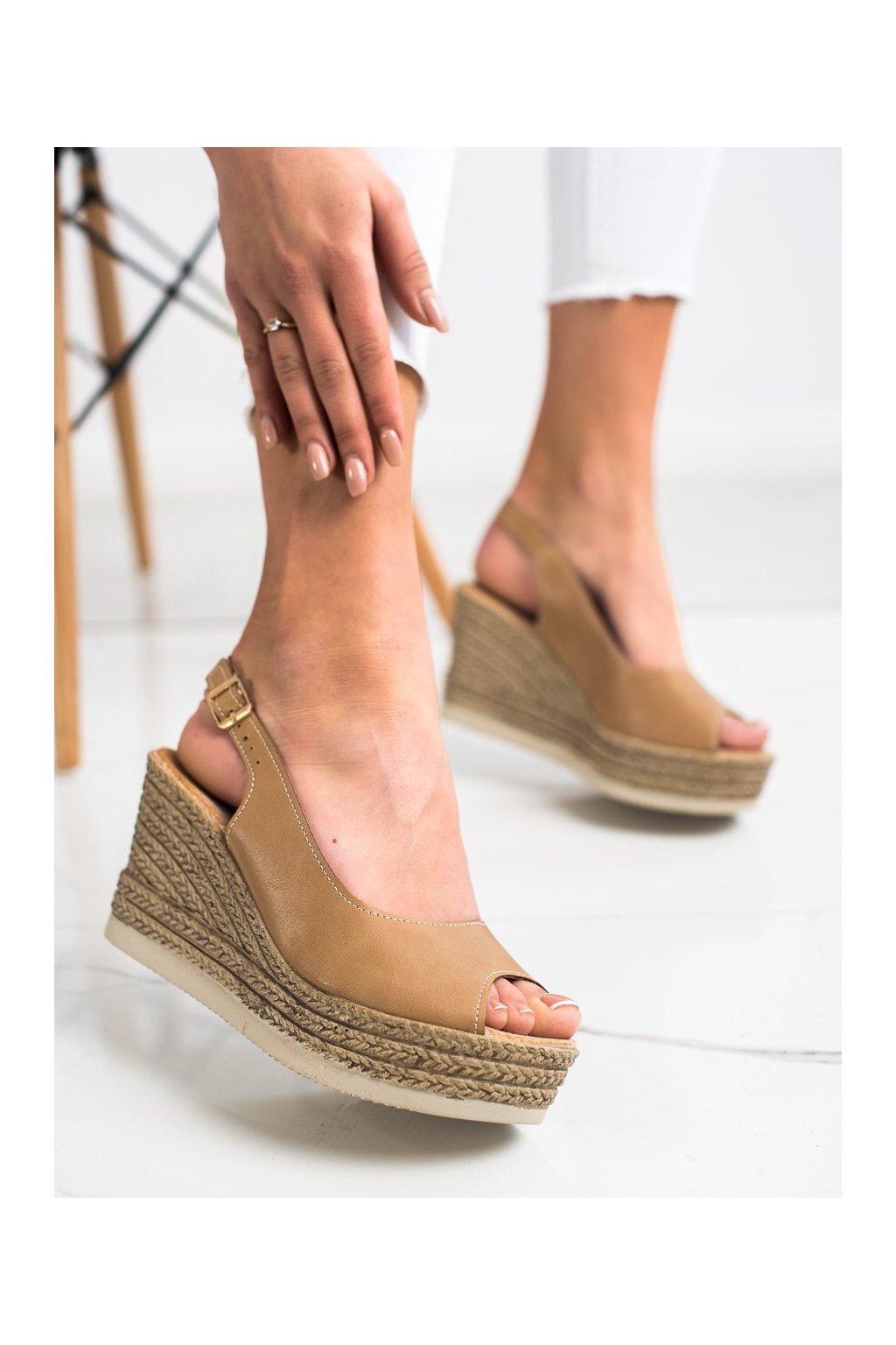 Hnedé sandále na platforme Sabatina kod M10202BE