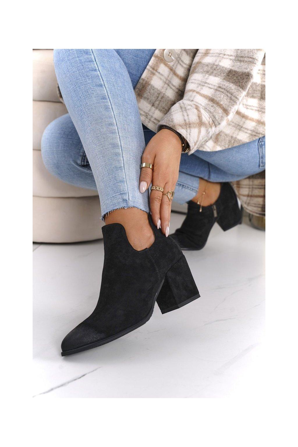 Členkové topánky na podpätku farba čierna kód obuvi 21-10558 BK BLACK