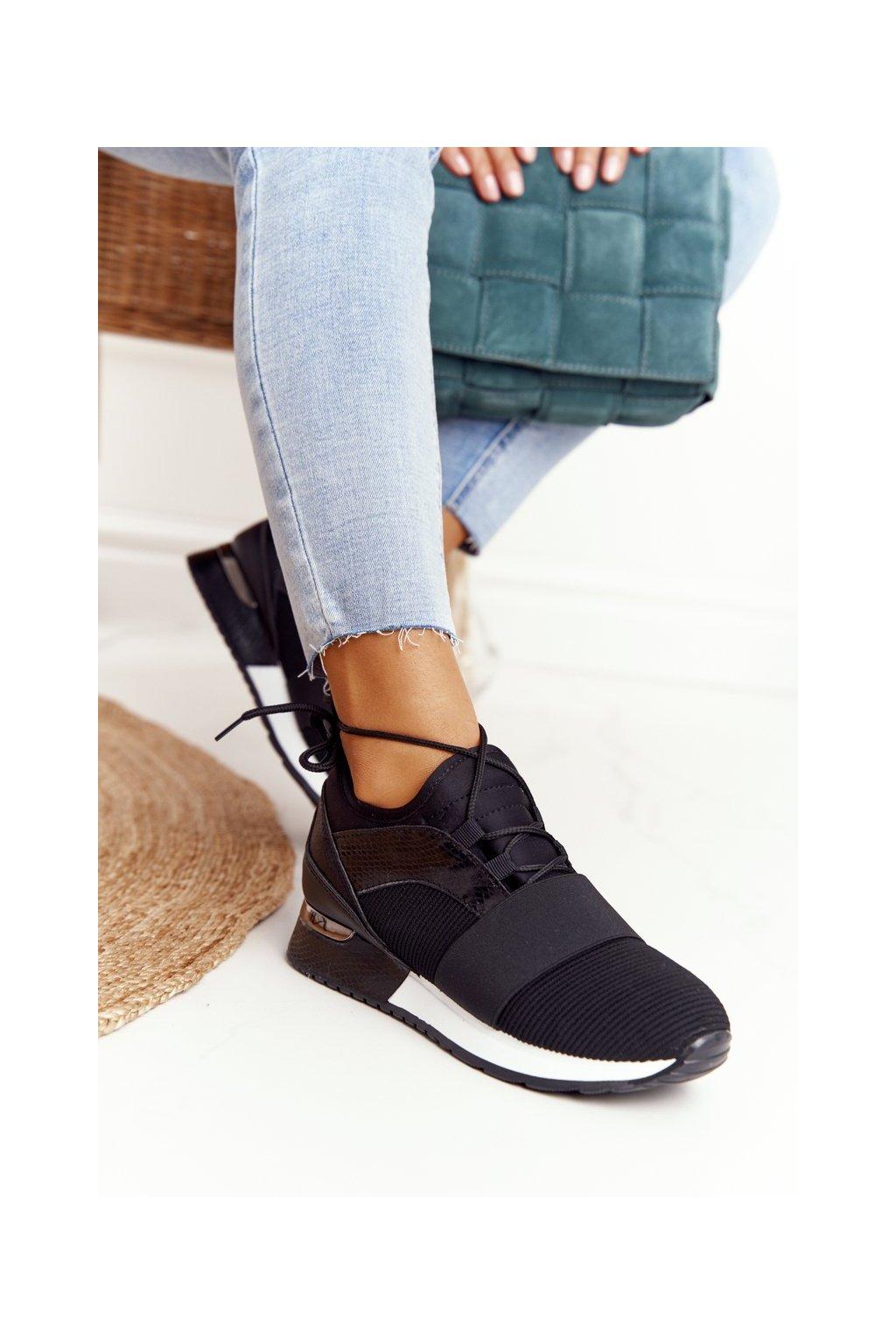 Dámske tenisky farba čierna kód obuvi F008 BLACK