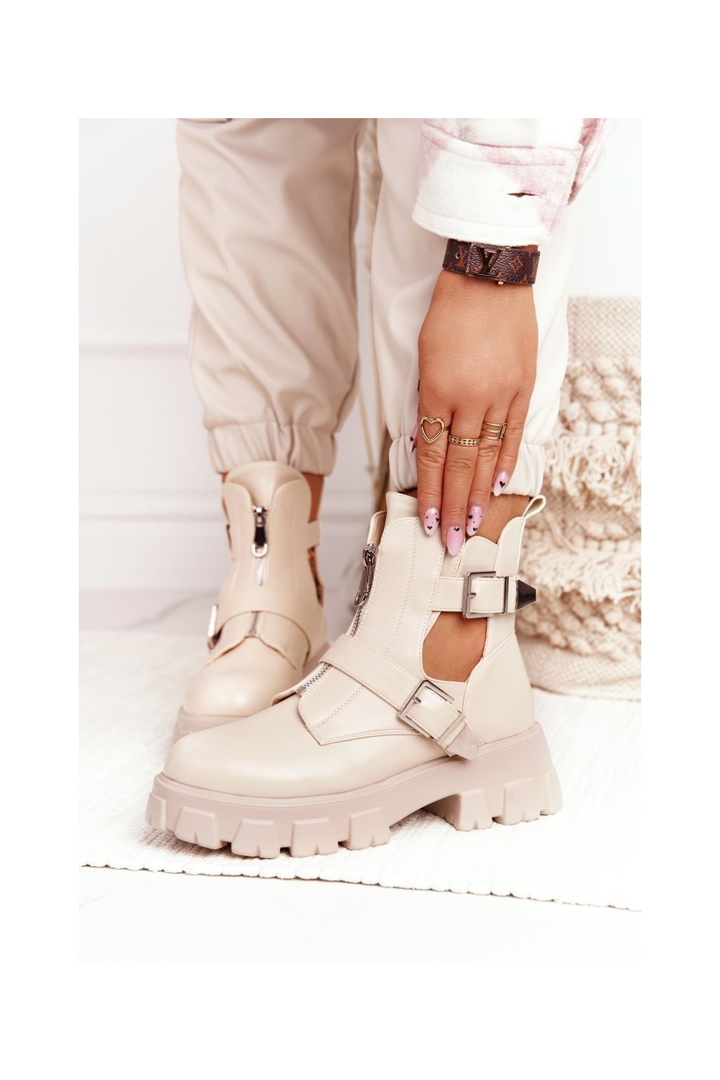 Členkové topánky na podpätku farba hnedá kód obuvi 20211-50C BEIGE