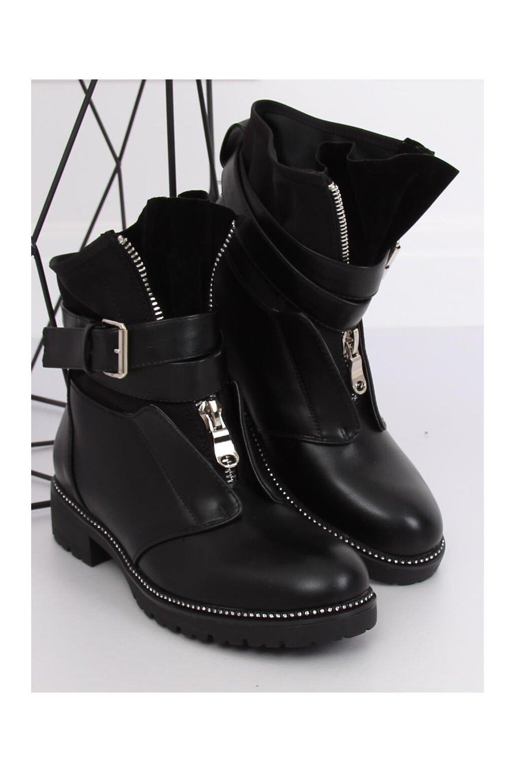 Dámske členkové topánky čierne na plochom podpätku NC821