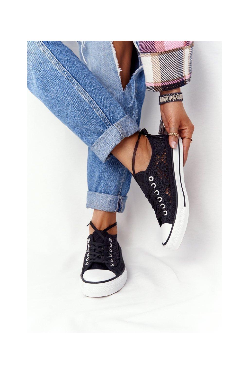 Dámske tenisky farba čierna kód obuvi F013 BLACK