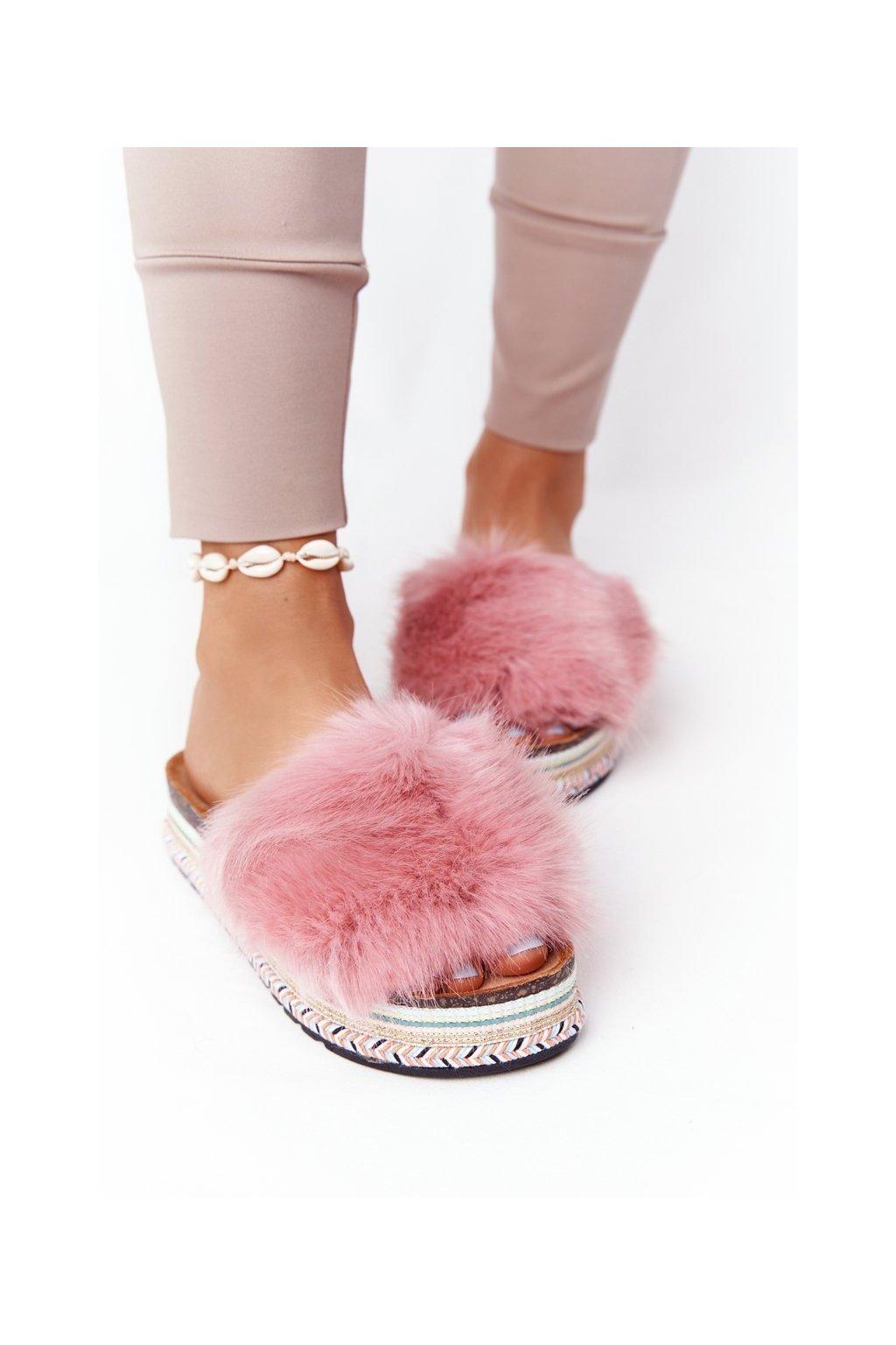 Dámske šľapky farba ružová kód obuvi CK170 PINK