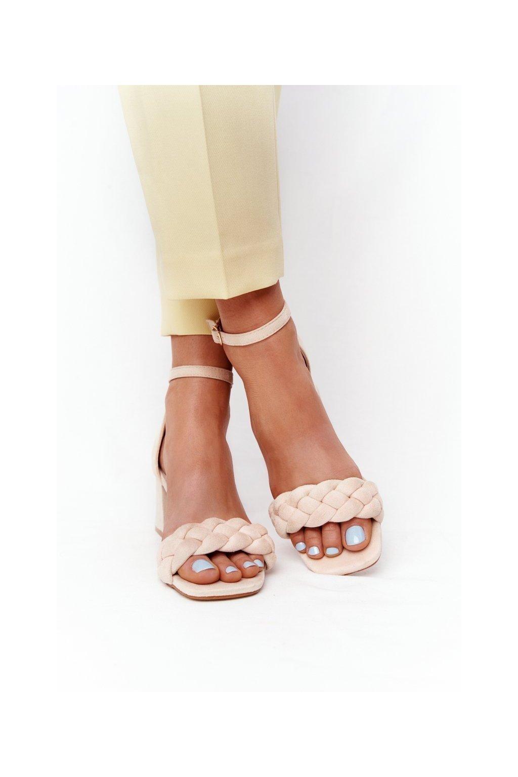 Dámske sandále na podpätku farba hnedá kód obuvi GG-102P BEIGE