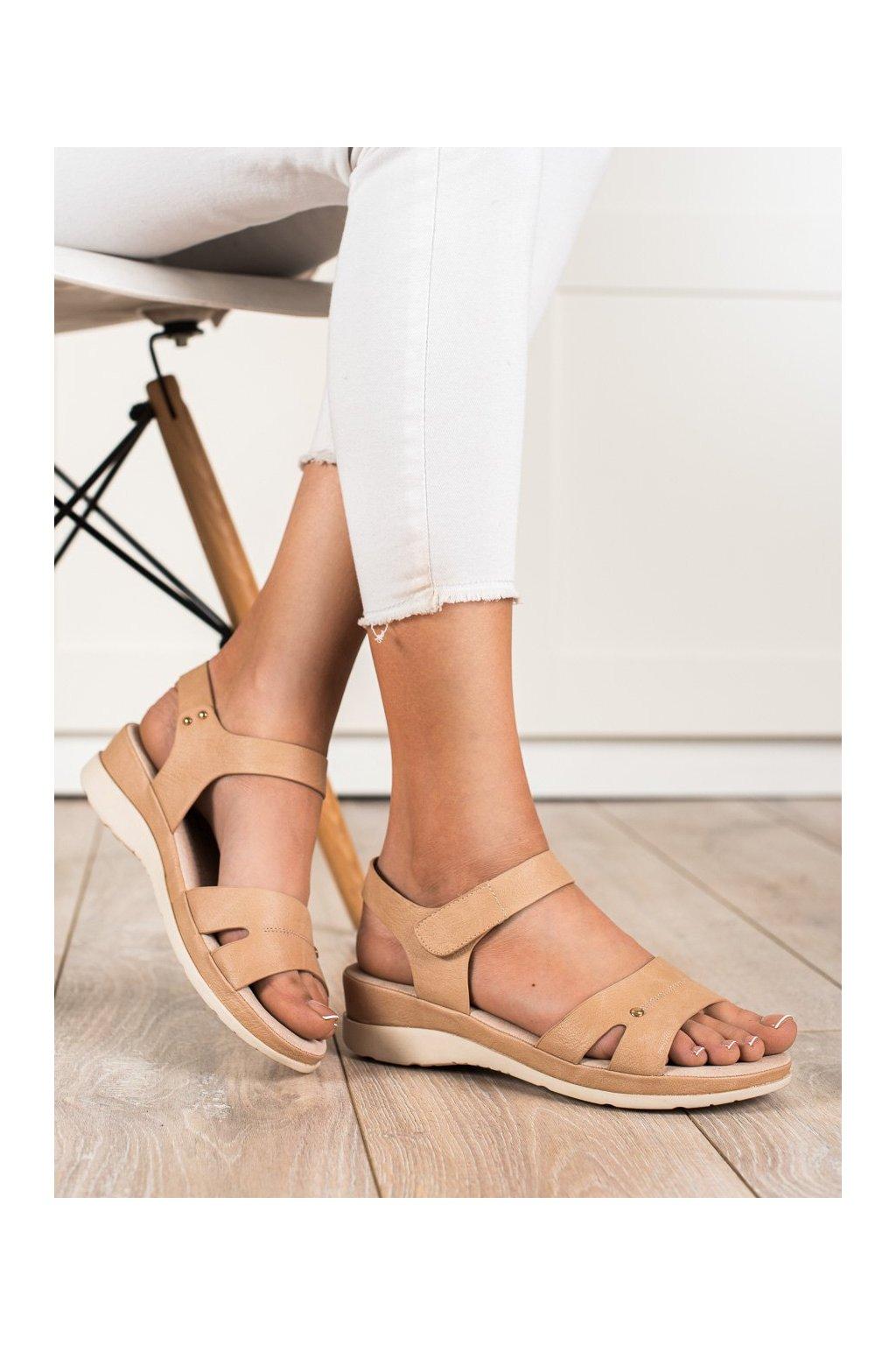 Hnedé sandále s plochou podrážkou na platforme Vinceza kod YQE20-17073TAN