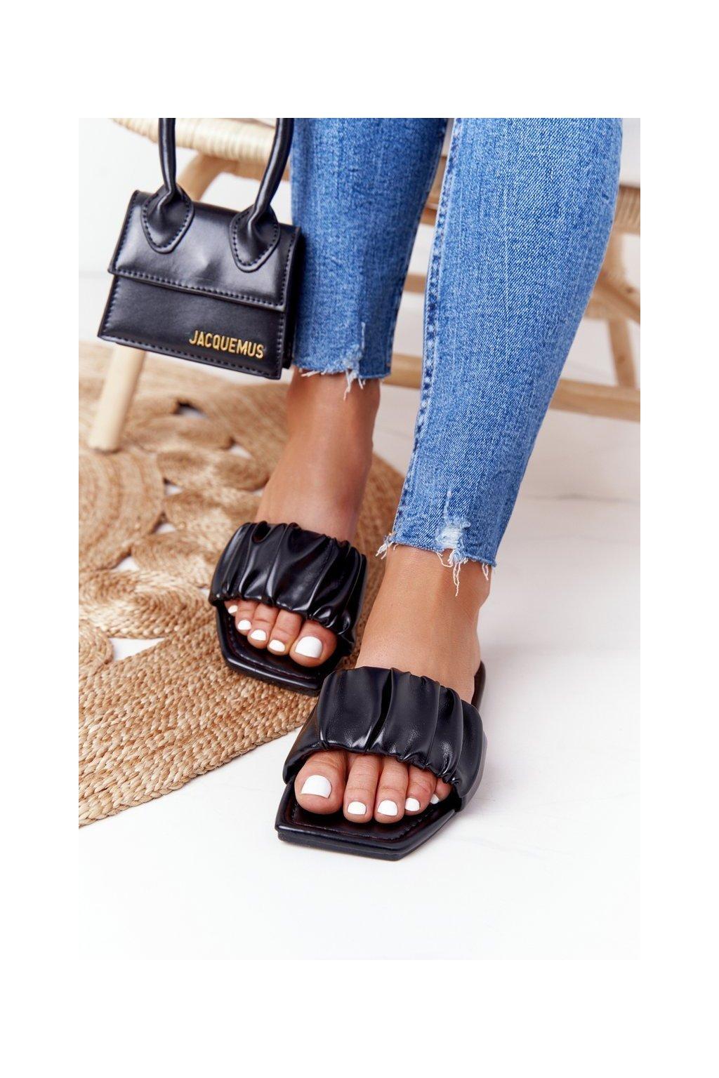 Dámske šľapky farba čierna kód obuvi CK165 BLACK