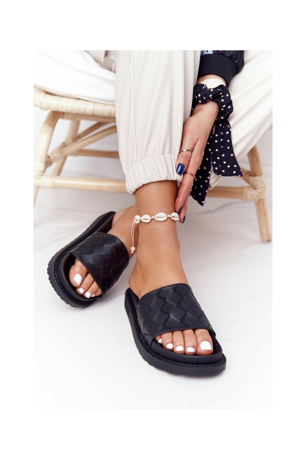 Dámske šľapky farba čierna kód obuvi HH274684 BLK