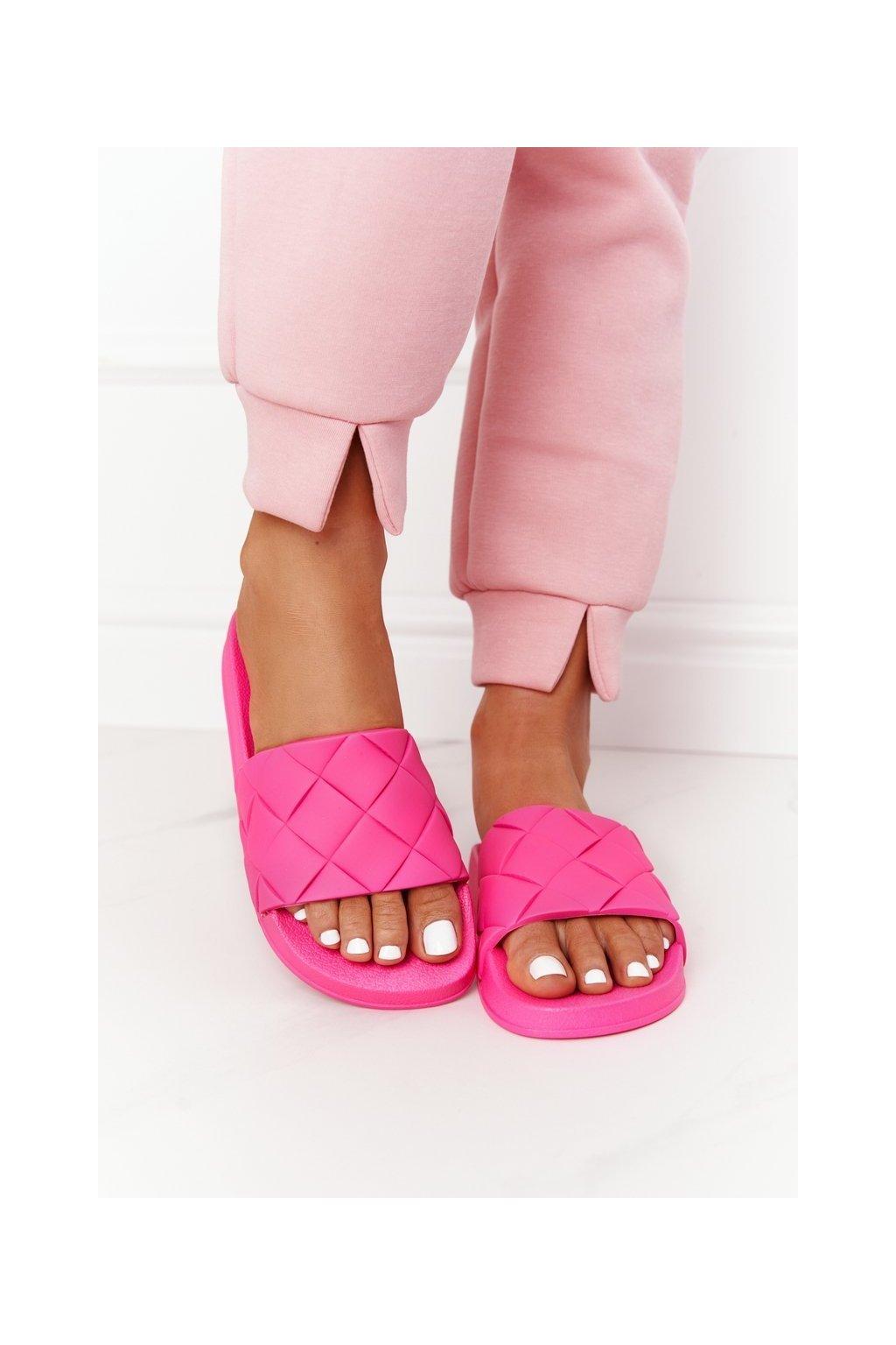 Dámske šľapky farba ružová kód obuvi CK175P FUCHSIA