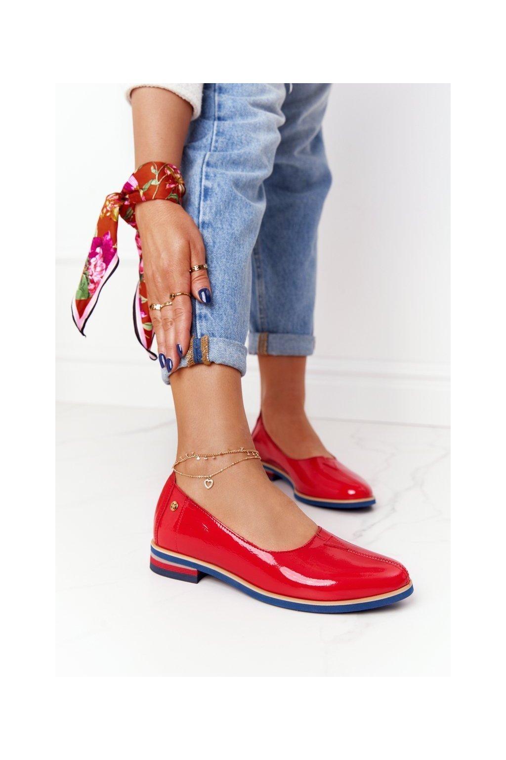 Dámske poltopánky farba červená kód obuvi 05035-08/00-5 CZERWONY