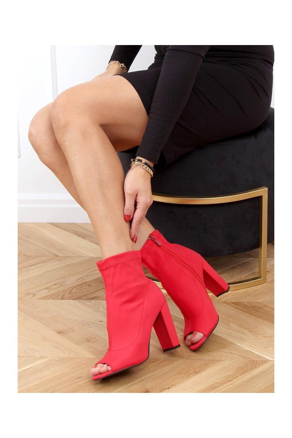 Dámske členkové topánky červené na stĺpovom podpätku NS031P