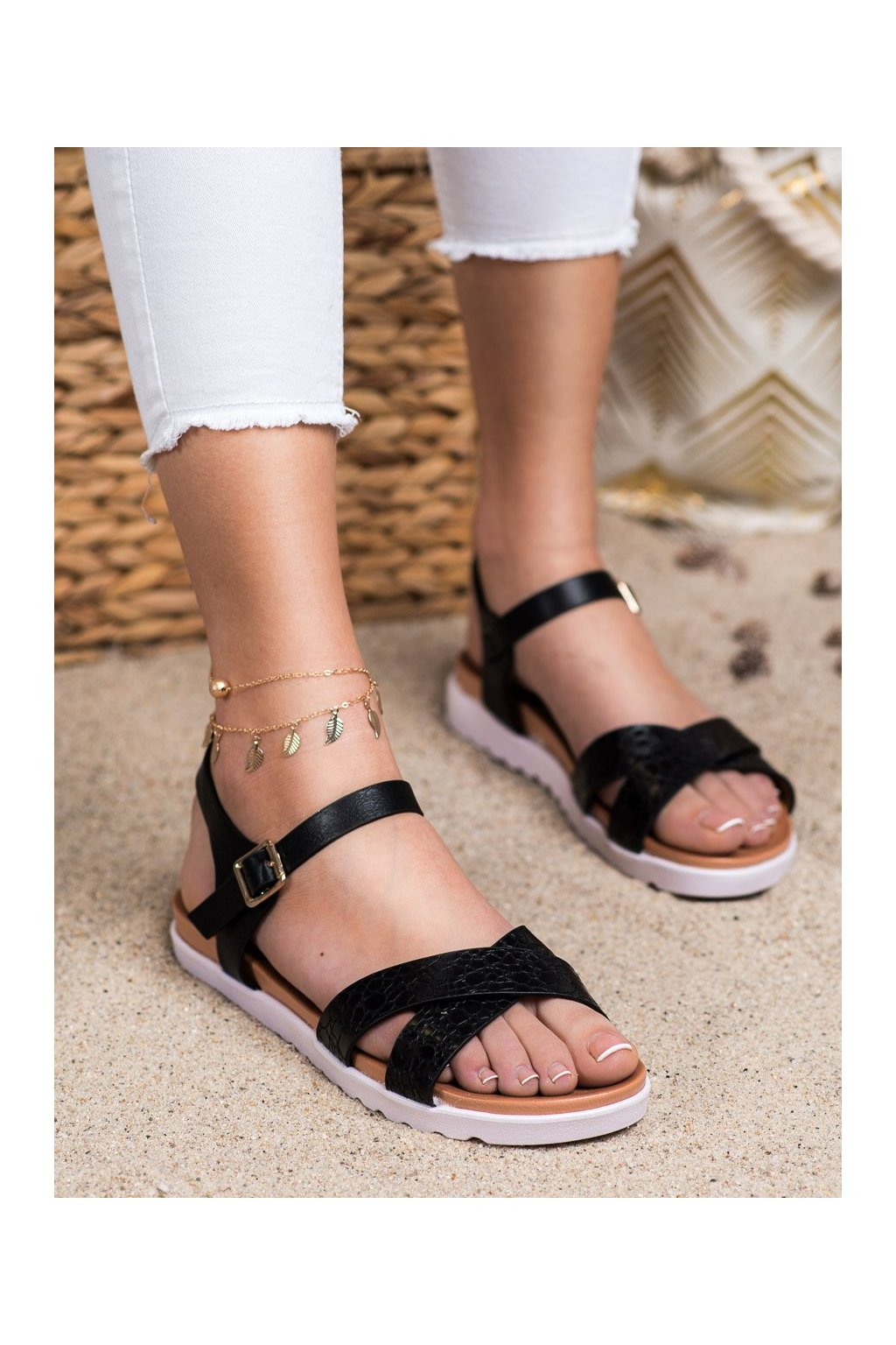Čierne sandále s plochou podrážkou Weide kod Y71-41B