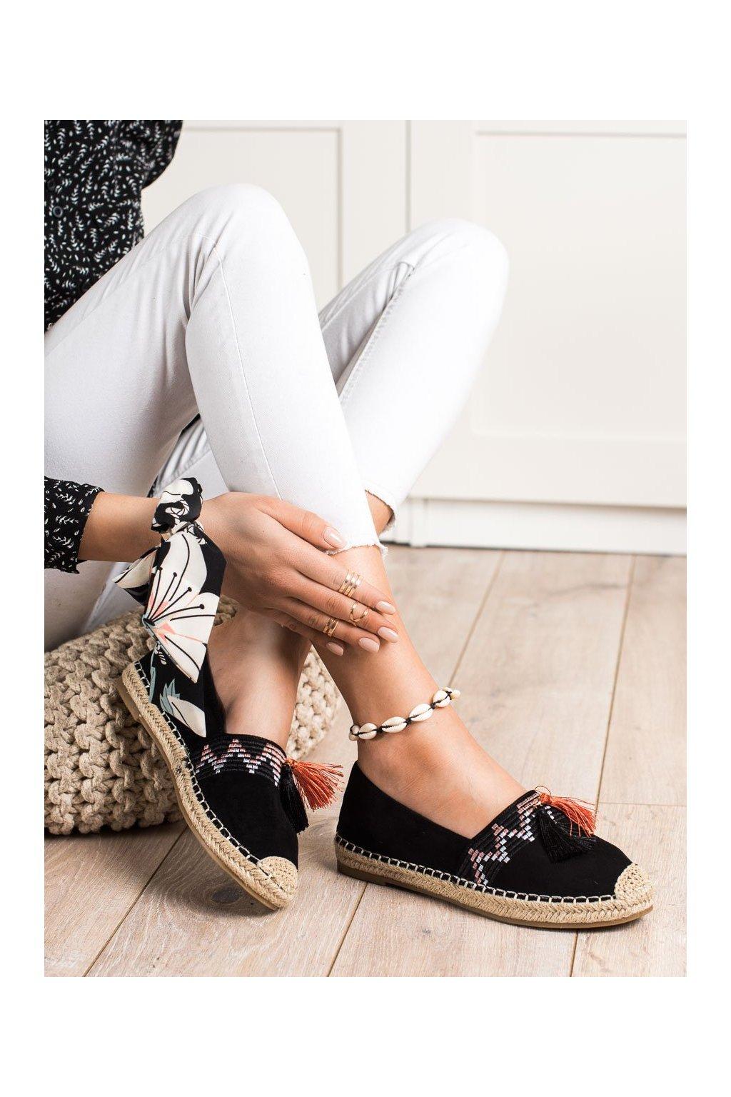 Čierne poltopánky Best shoes kod 3R11B
