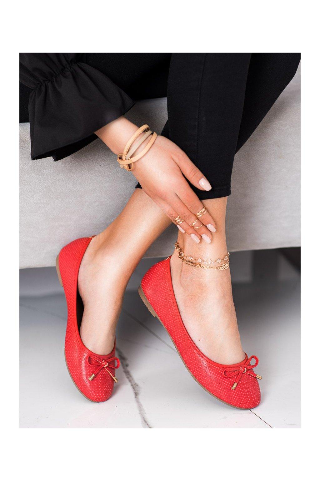 Červené dámske balerínky Clowse kod 9F119R