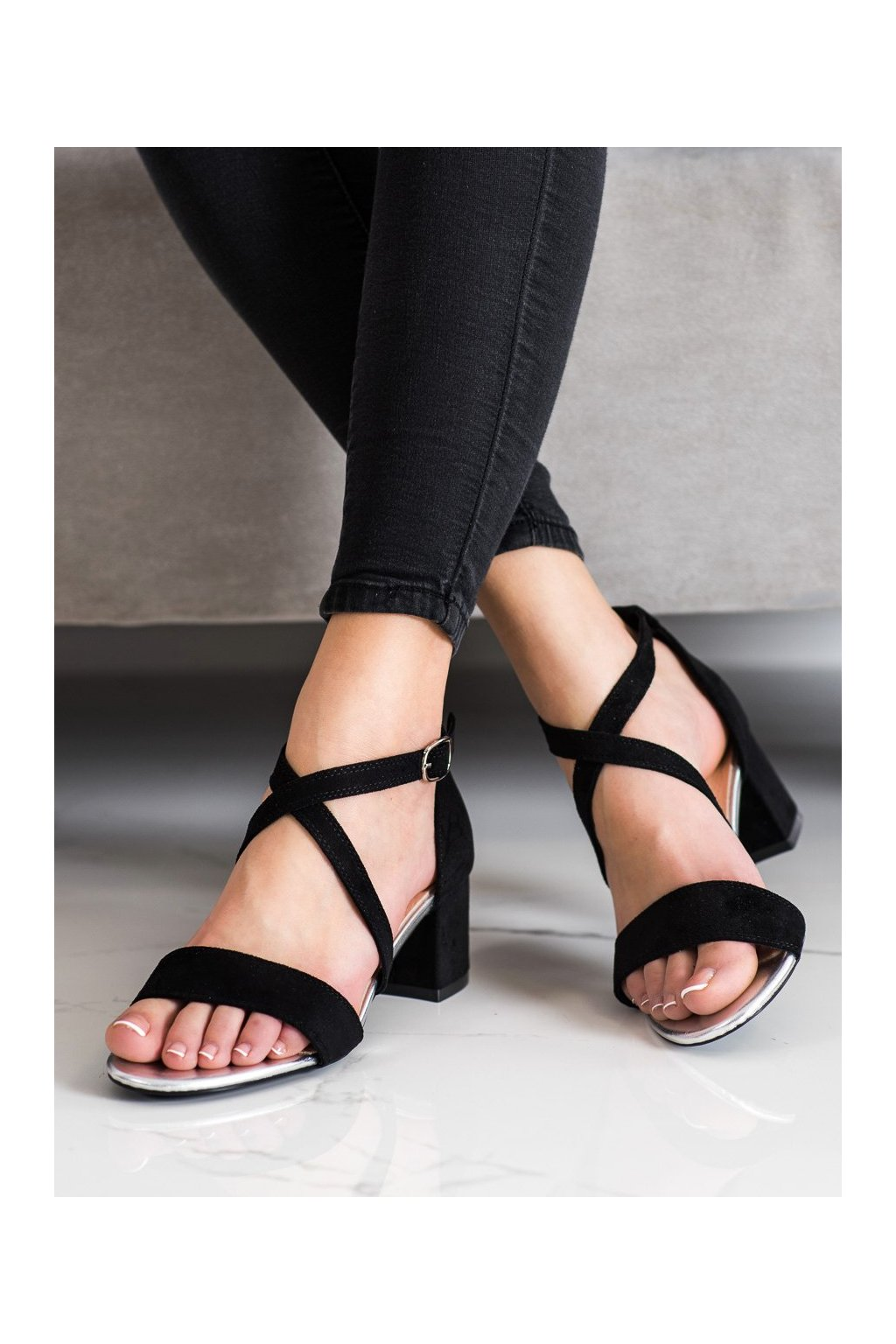 Čierne sandále na podpätku Sergio leone kod SK837B/S