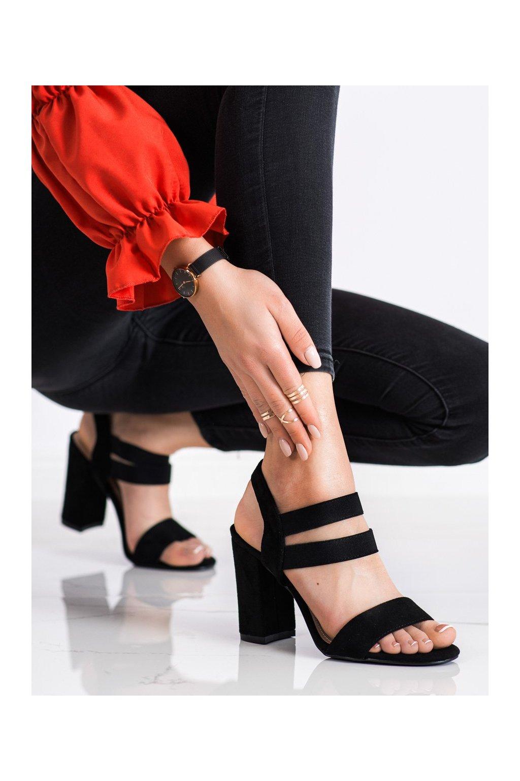 Čierne sandále na podpätku Evento kod 21SD35-3540B