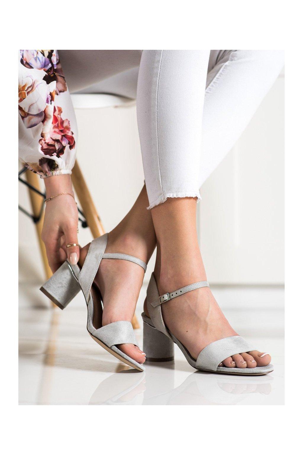 Sivé sandále na podpätku Evento kod 20SD35-1821LT.G