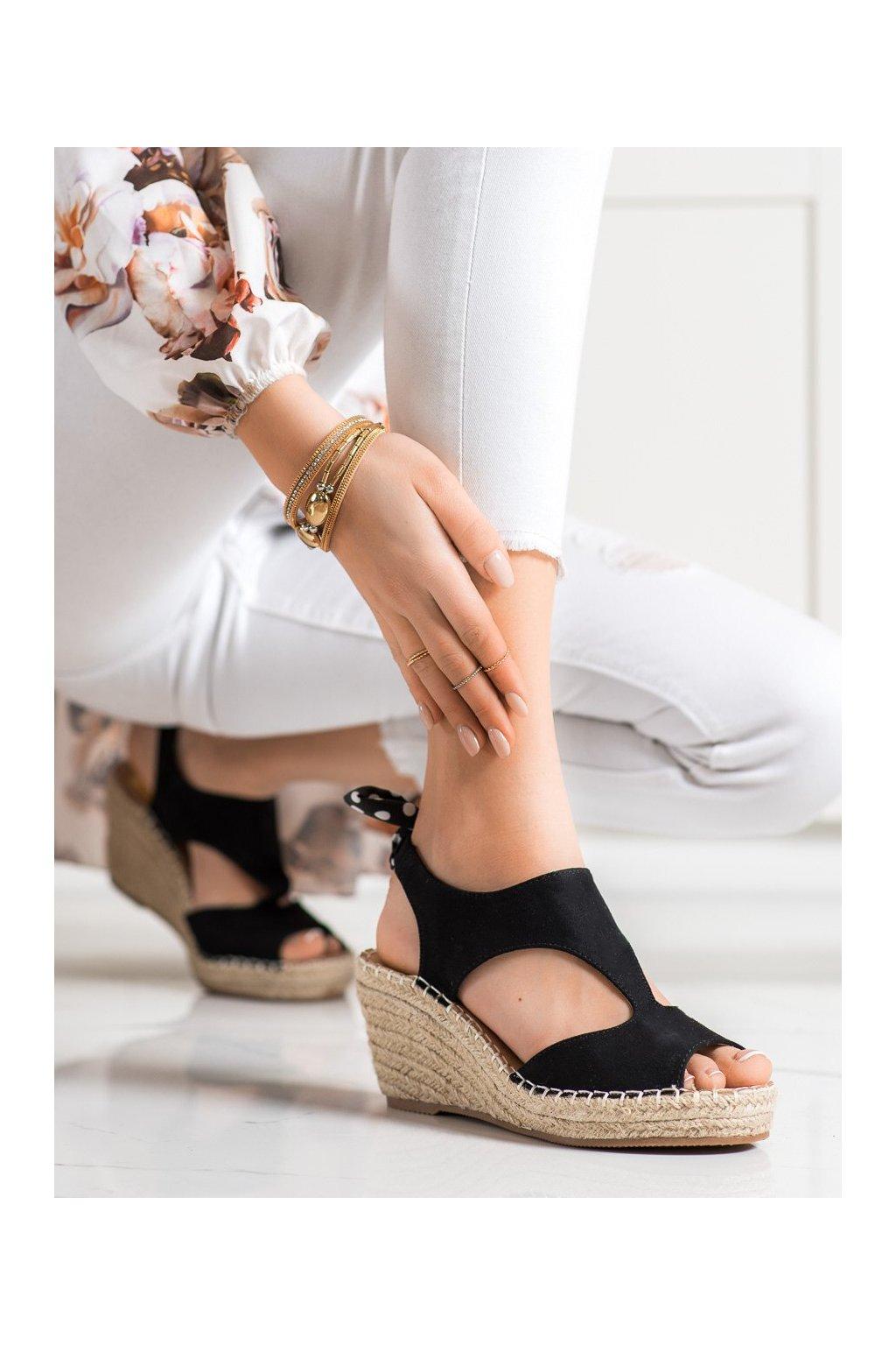 Čierne sandále na platforme Evento kod 21SD98-3593B