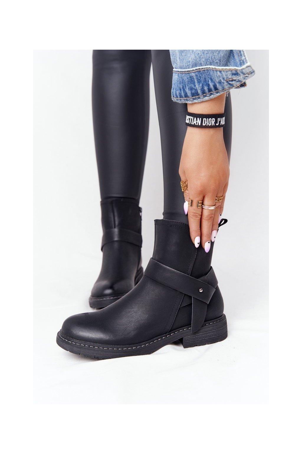 Členkové topánky na podpätku farba čierna kód obuvi 20Y8083-1 BLK