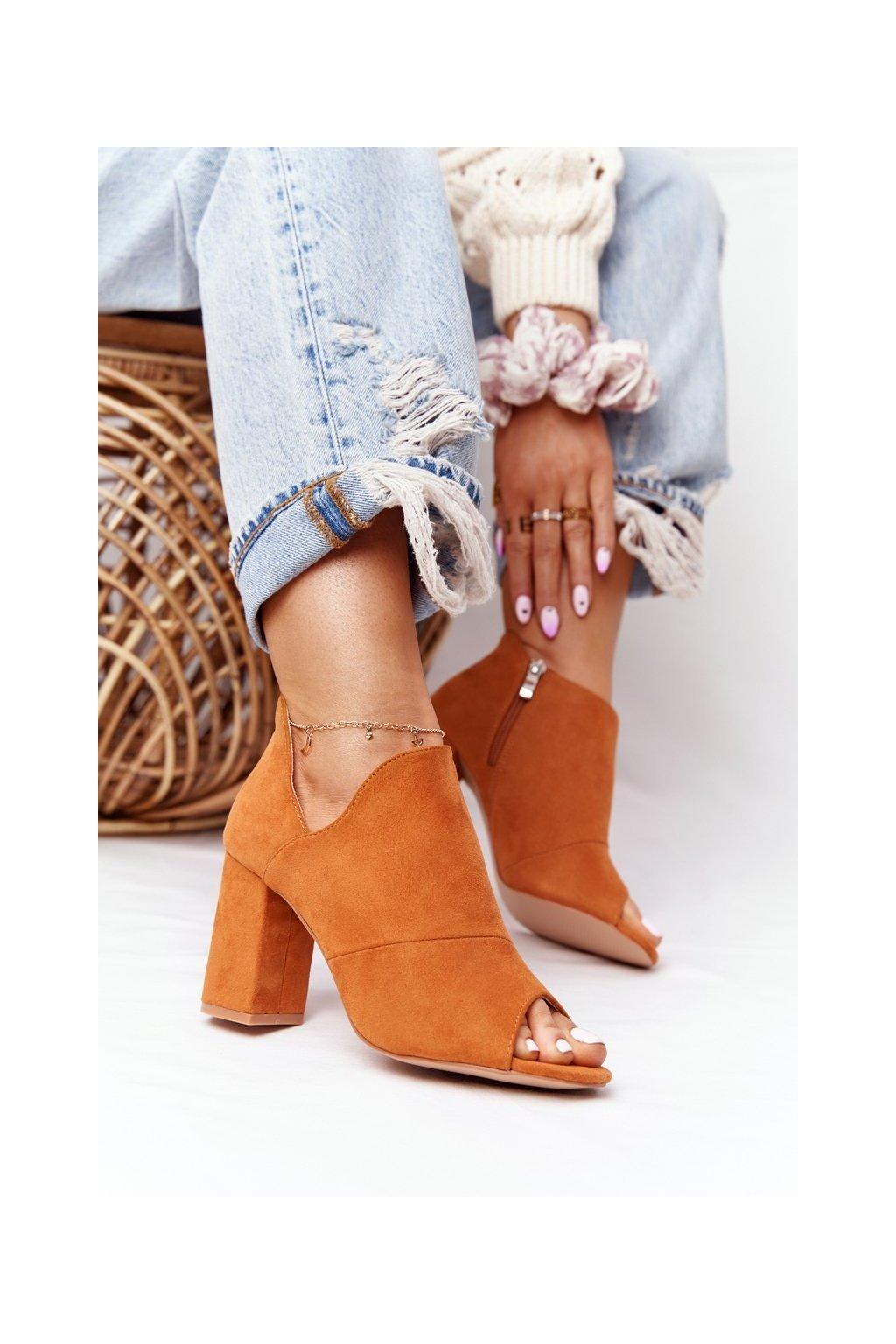 Členkové topánky na podpätku farba hnedá kód obuvi 21-17095 CA CAMEL