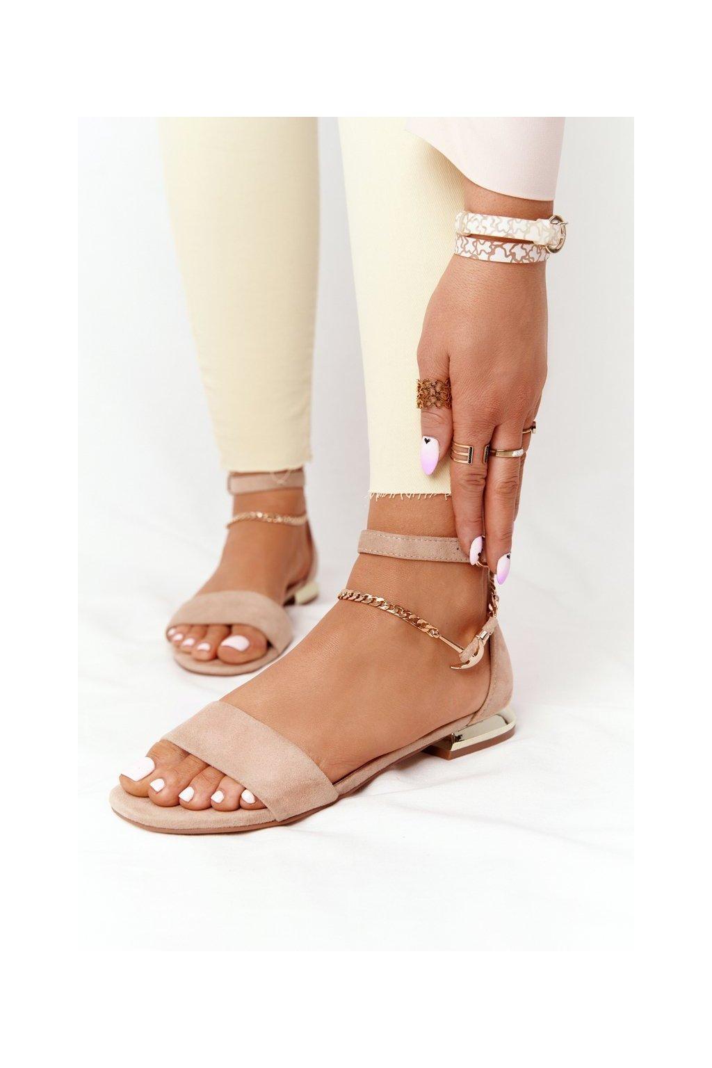 Dámske sandále s plochou podrážkou farba hnedá kód obuvi 21-17119 BEIGE