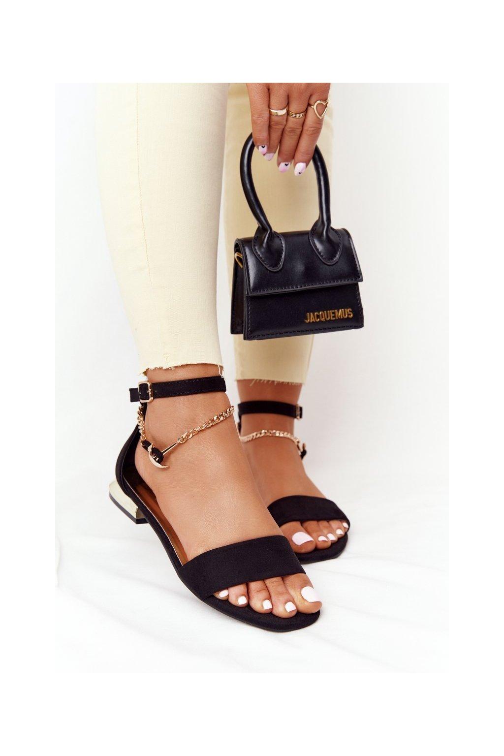 Dámske sandále s plochou podrážkou farba čierna kód obuvi 21-17119 BLACK