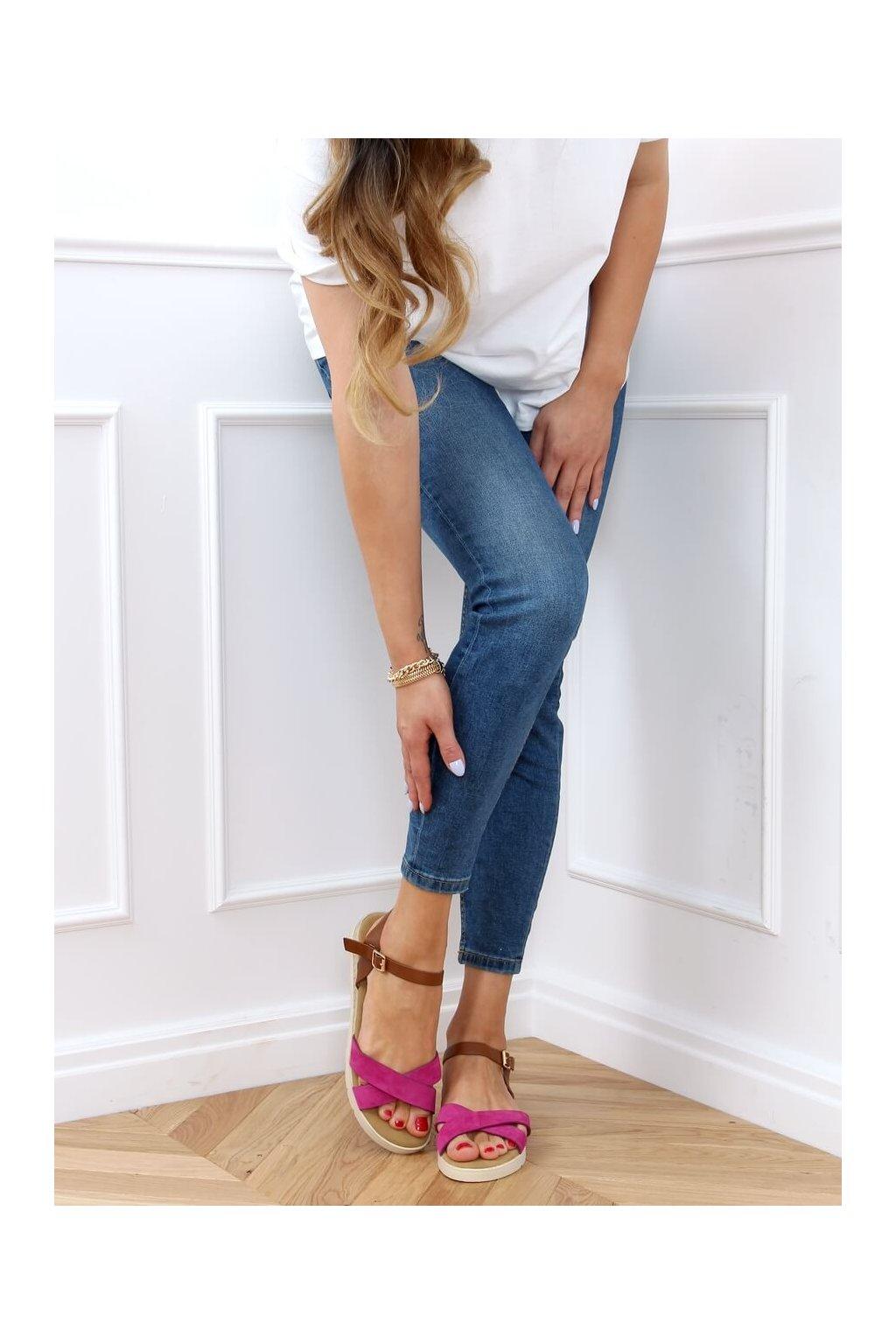 Dámske sandále s plochou podrážkou ružové na plochom podpätku 1031-15