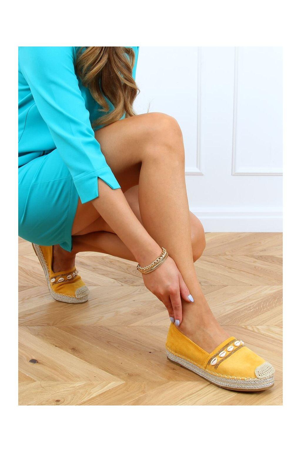 Dámske sandále žlté na plochom podpätku 6771