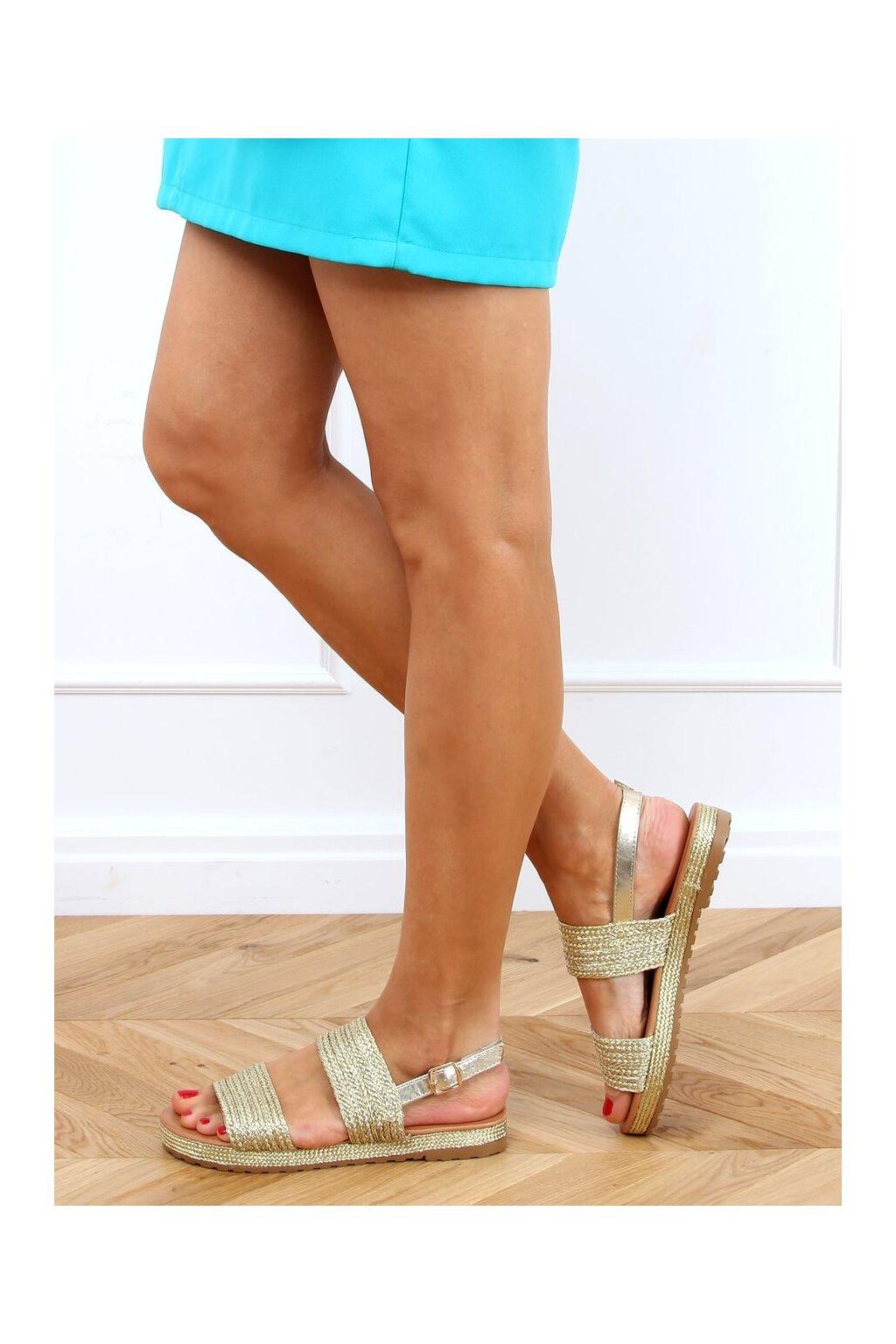 Dámske sandále s plochou podrážkou zlaté na plochom podpätku WL1593