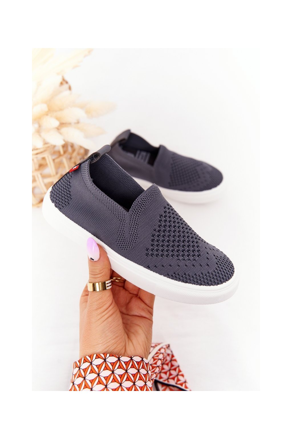 Detské tenisky farba sivá kód obuvi HH374104 GREY