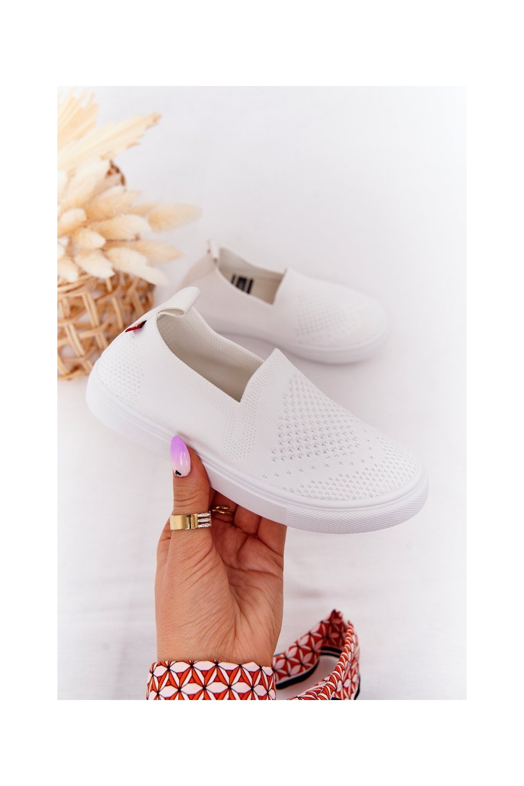 Detské tenisky farba biela kód obuvi HH374105 WHITE