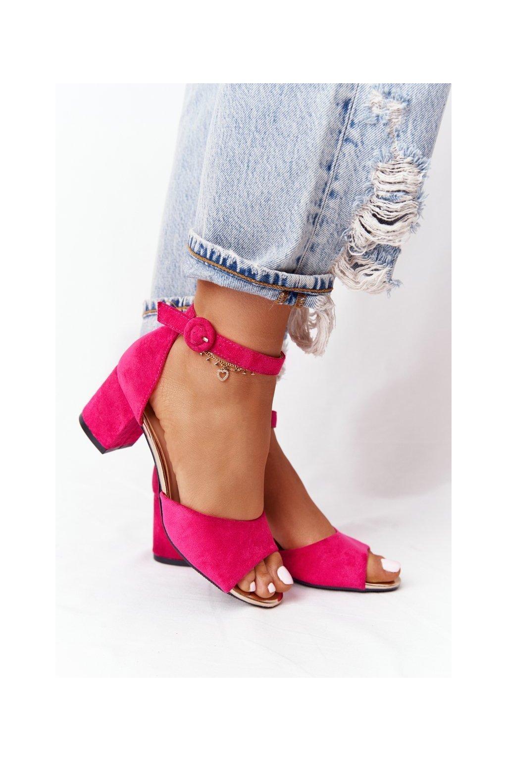 Dámske sandále na podpätku farba ružová kód obuvi 21-20100 FUCHSIA
