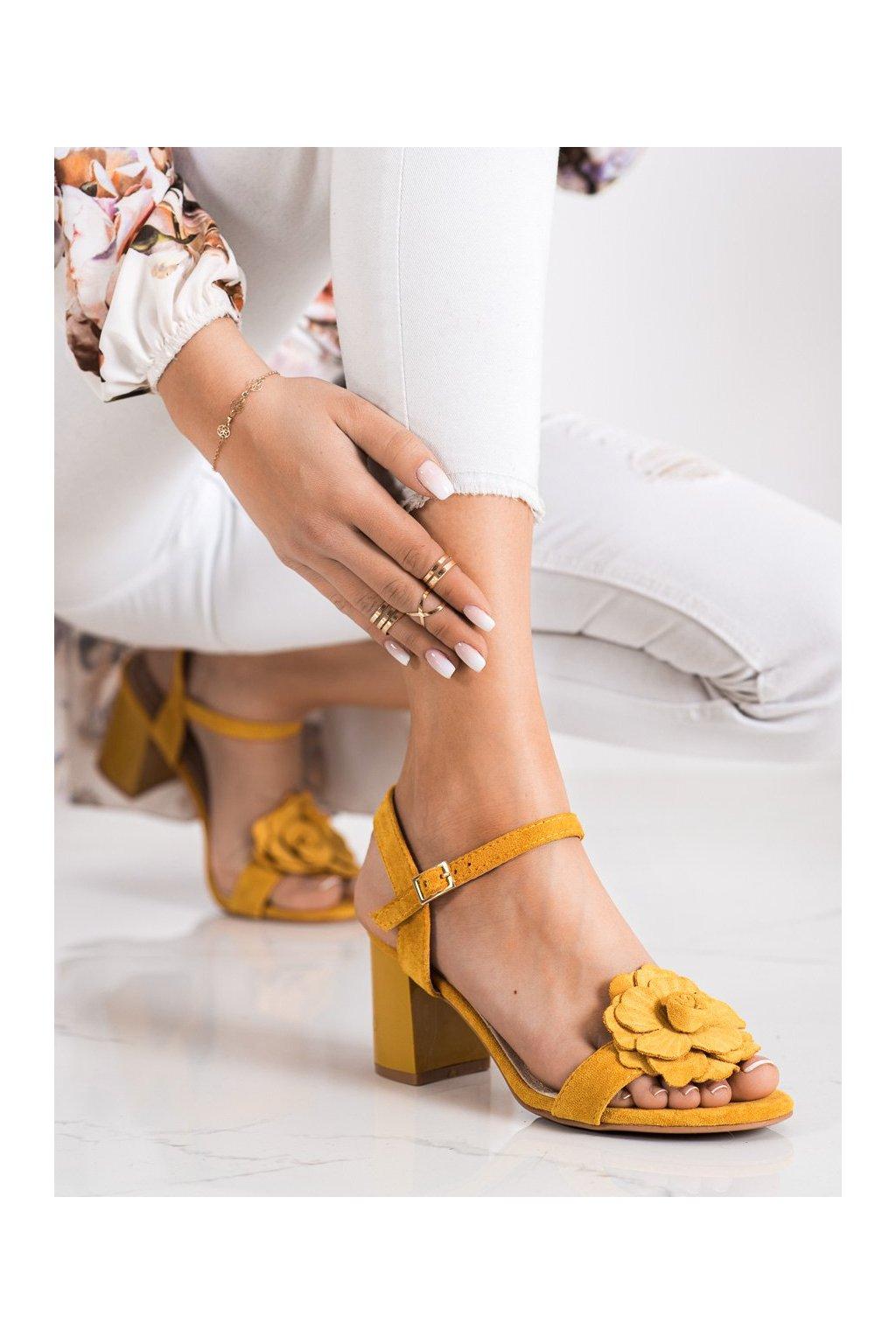 Žlté sandále na podpätku S. barski kod 04Y
