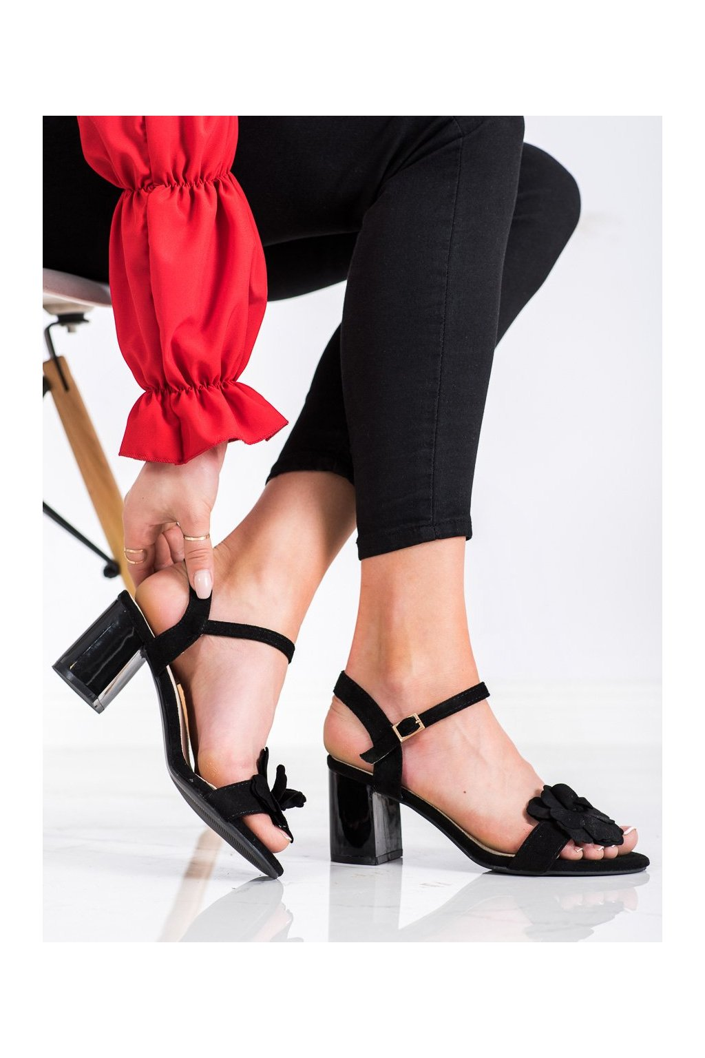 Čierne sandále na podpätku S. barski kod 04B