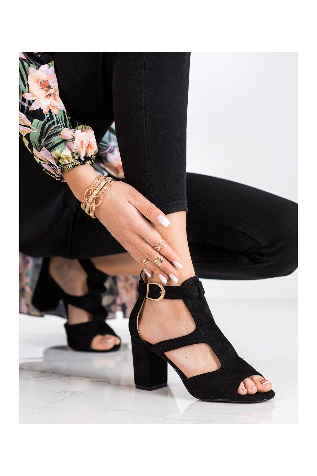Čierne sandále na podpätku Sabatina kod DM19-20B