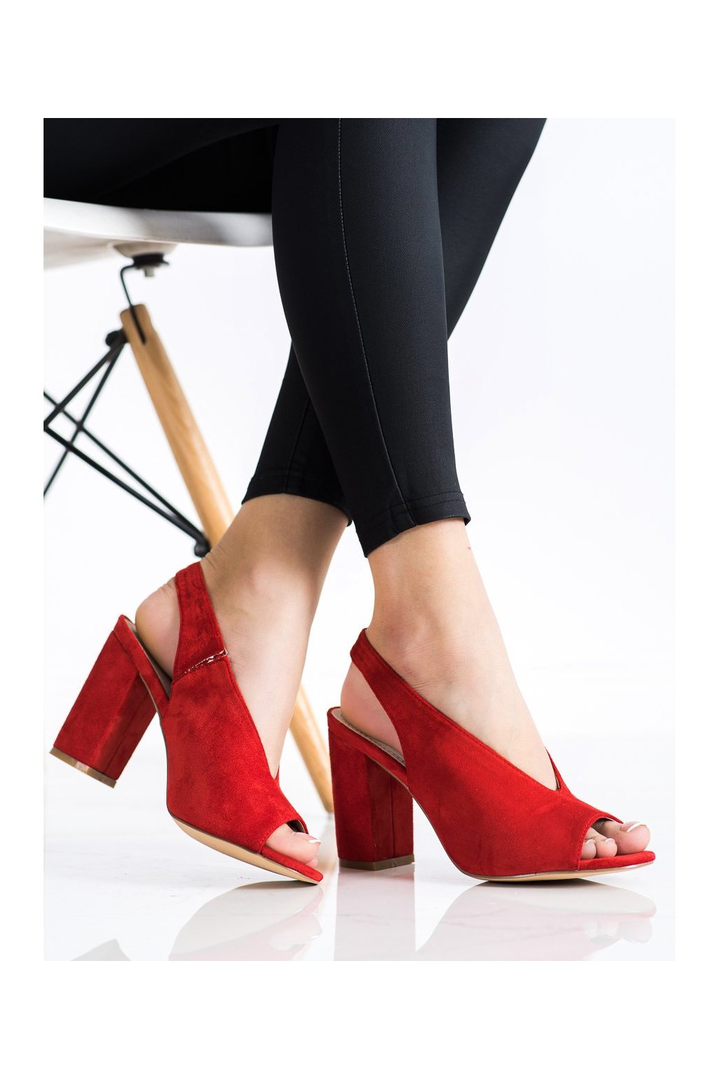 Červené sandále na podpätku S. barski kod LJ2006R
