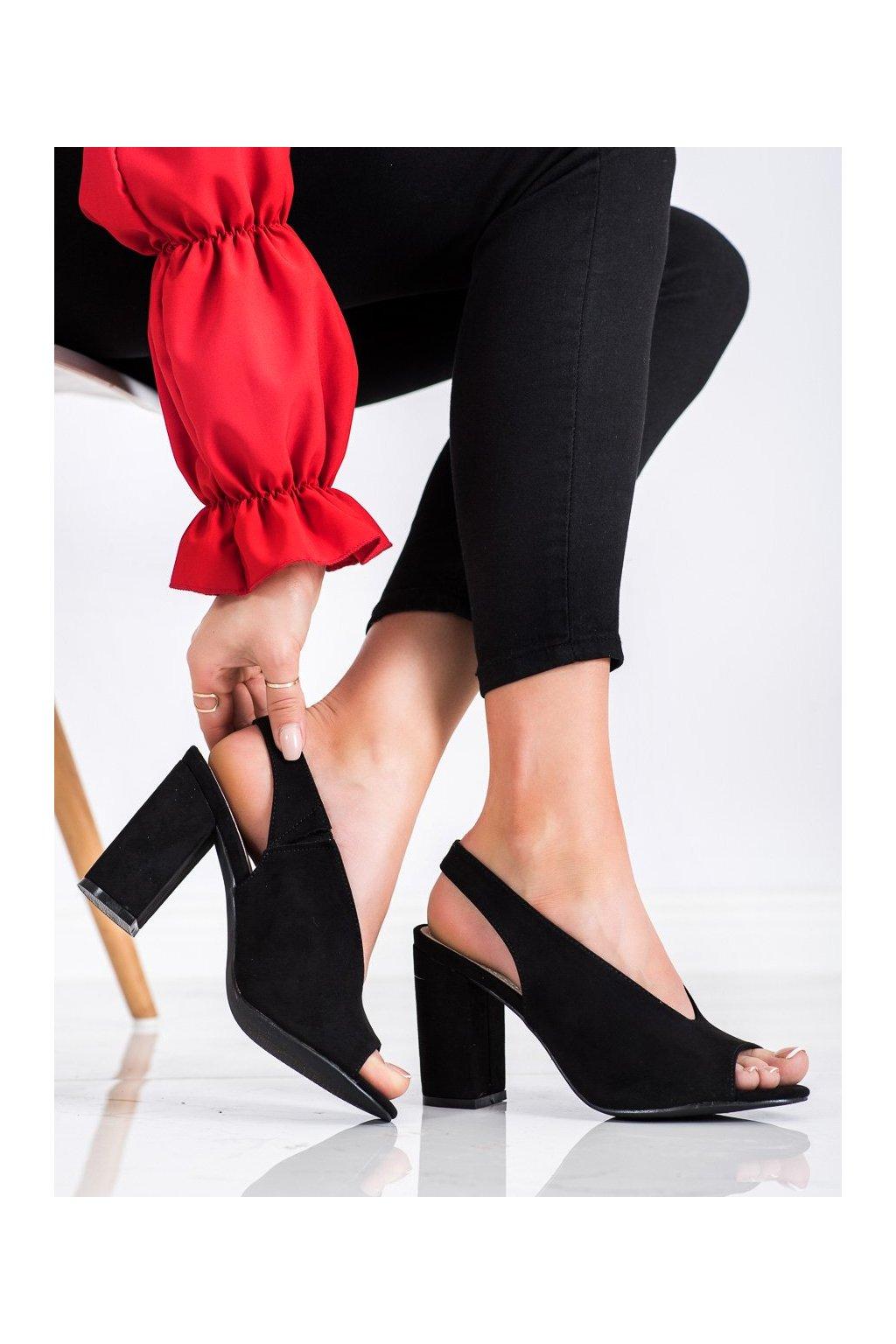 Čierne sandále na podpätku S. barski kod LJ2006B