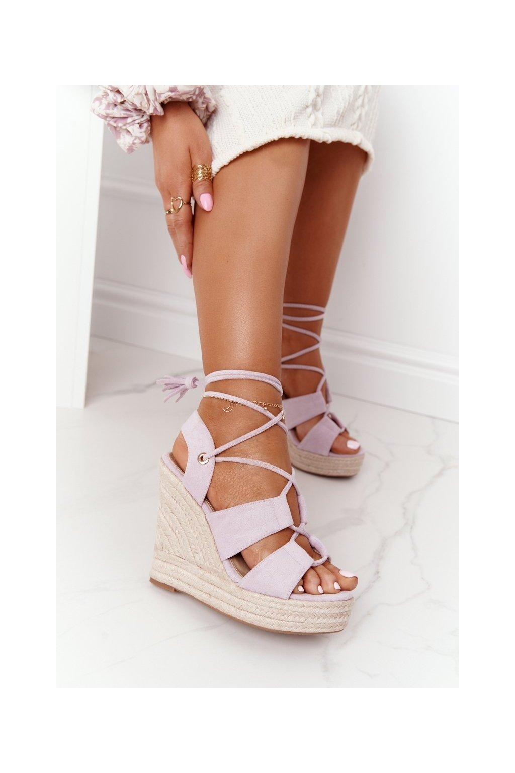 Dámske sandále na platforme farba fialová kód obuvi BL263-15 PURPLE