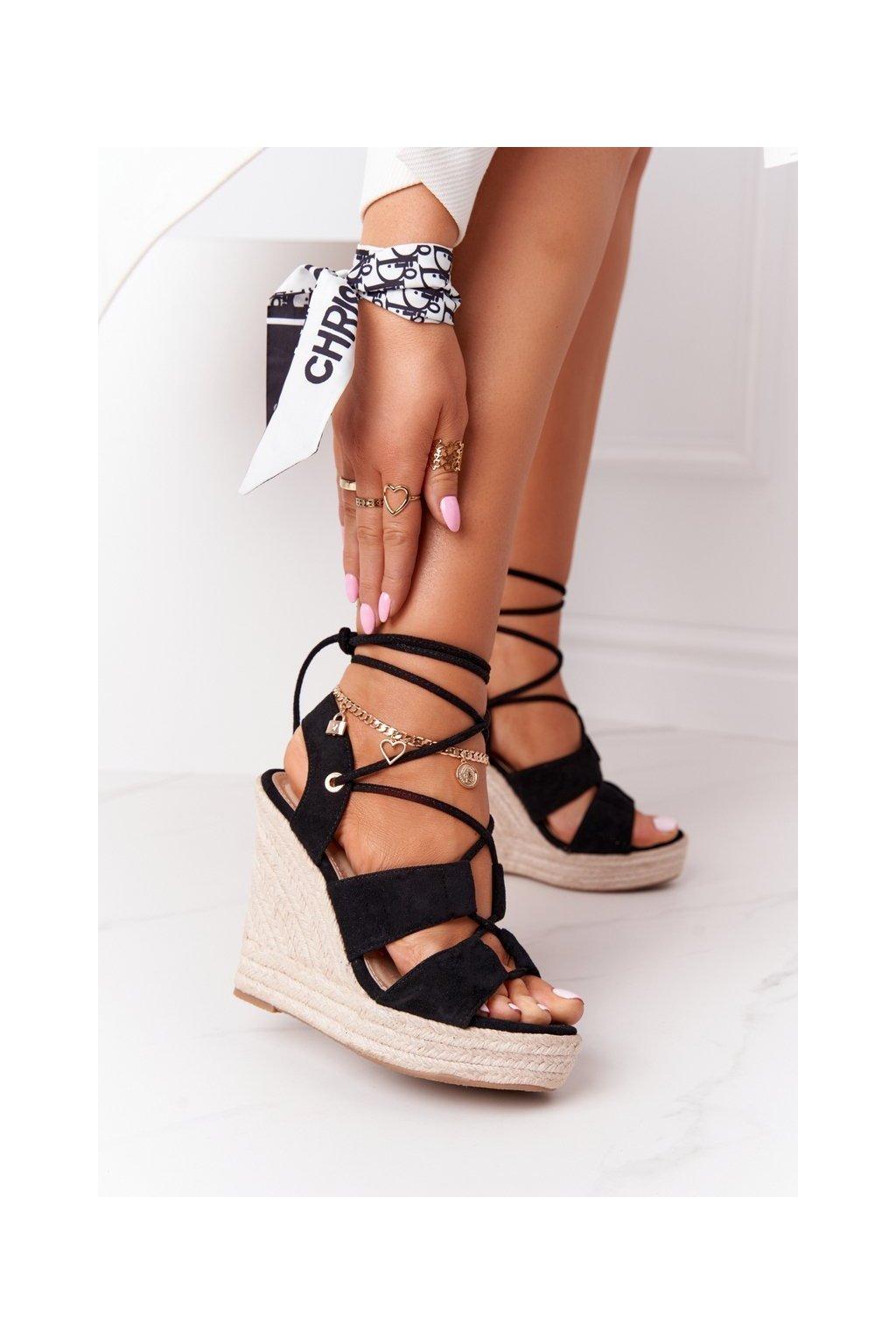 Dámske sandále na platforme farba čierna kód obuvi BL263 BLACK