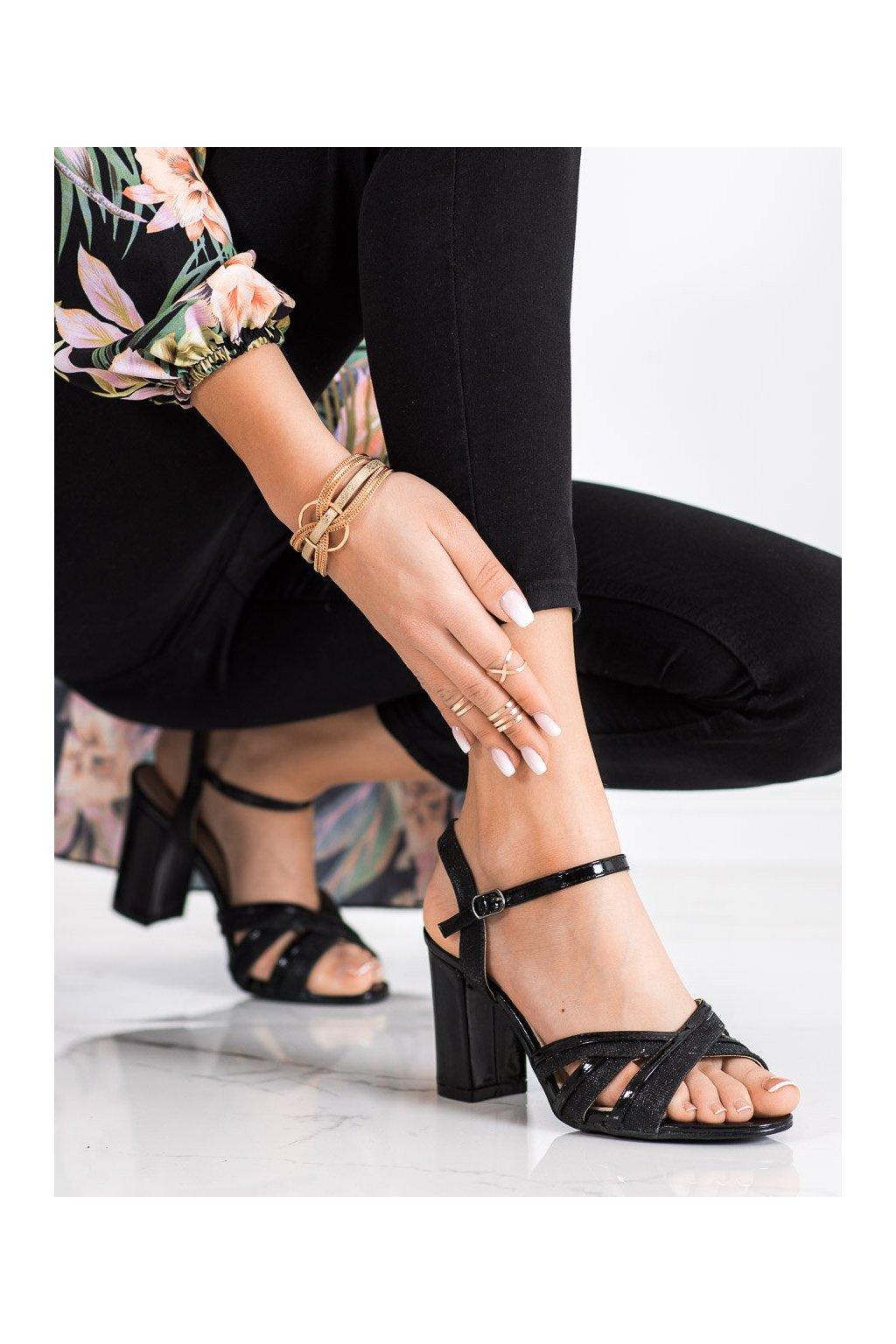 Čierne sandále na podpätku Shelovet kod 20SD25-2090B