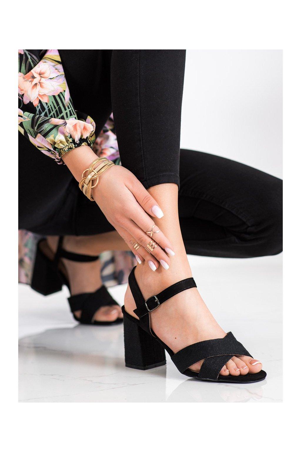 Čierne sandále na podpätku Vinceza kod YQE21-17125B
