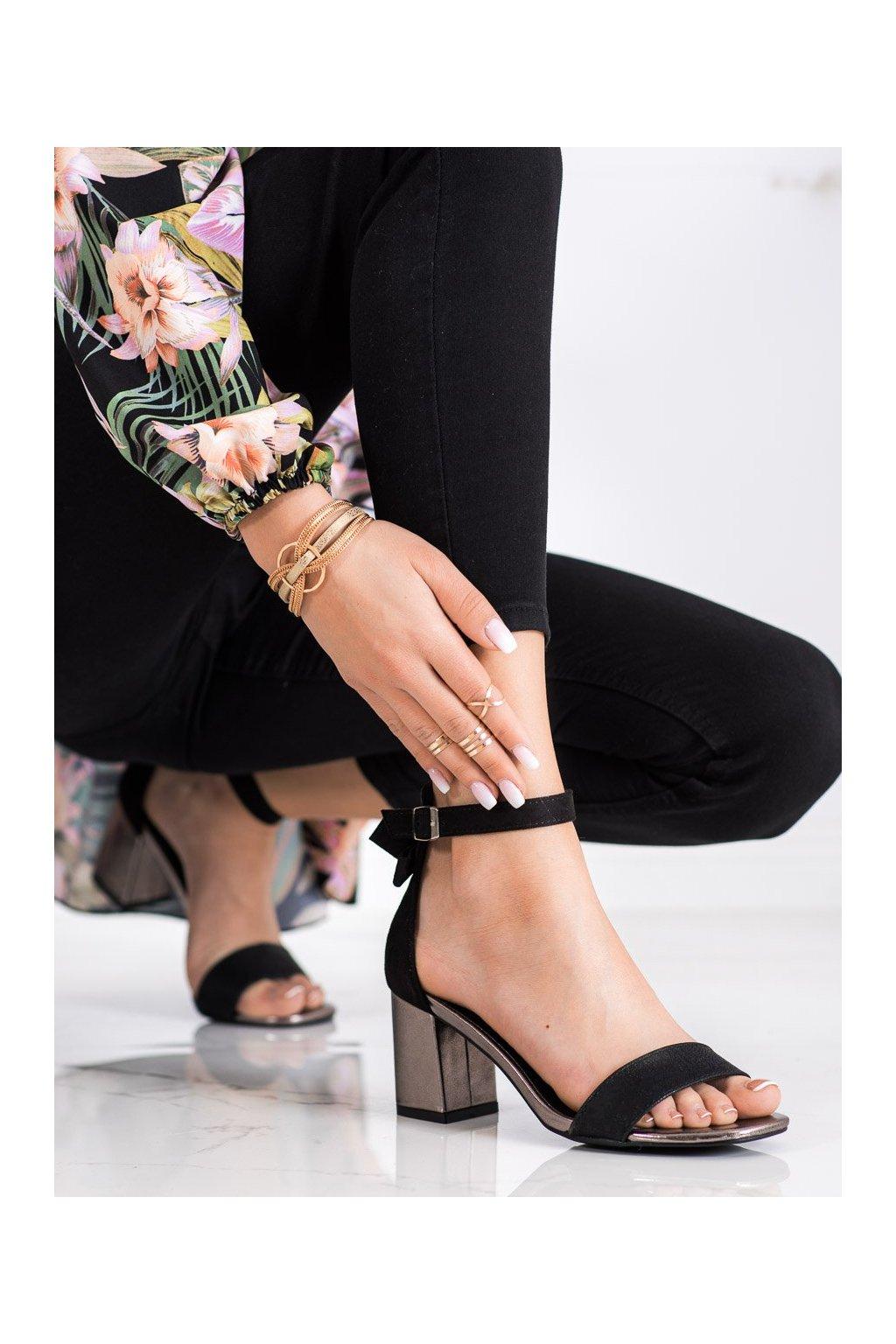 Čierne sandále na podpätku Vinceza kod YQE21-17118B