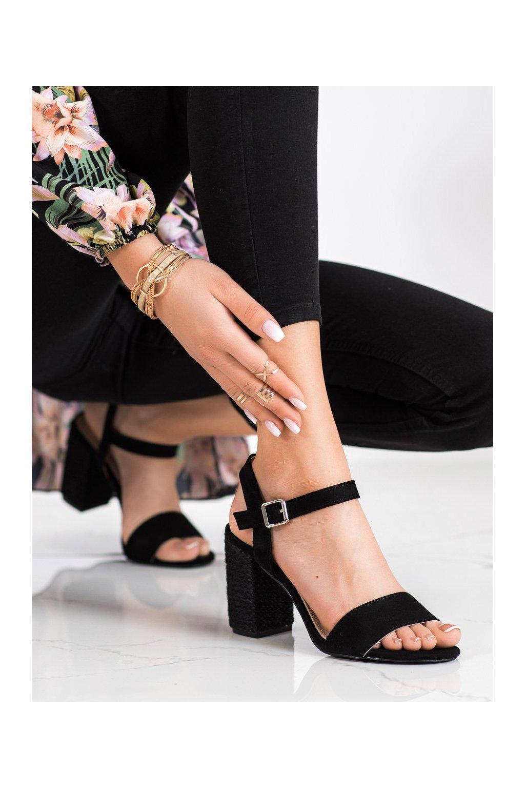 Čierne sandále na podpätku Vinceza kod YQE21-17100B