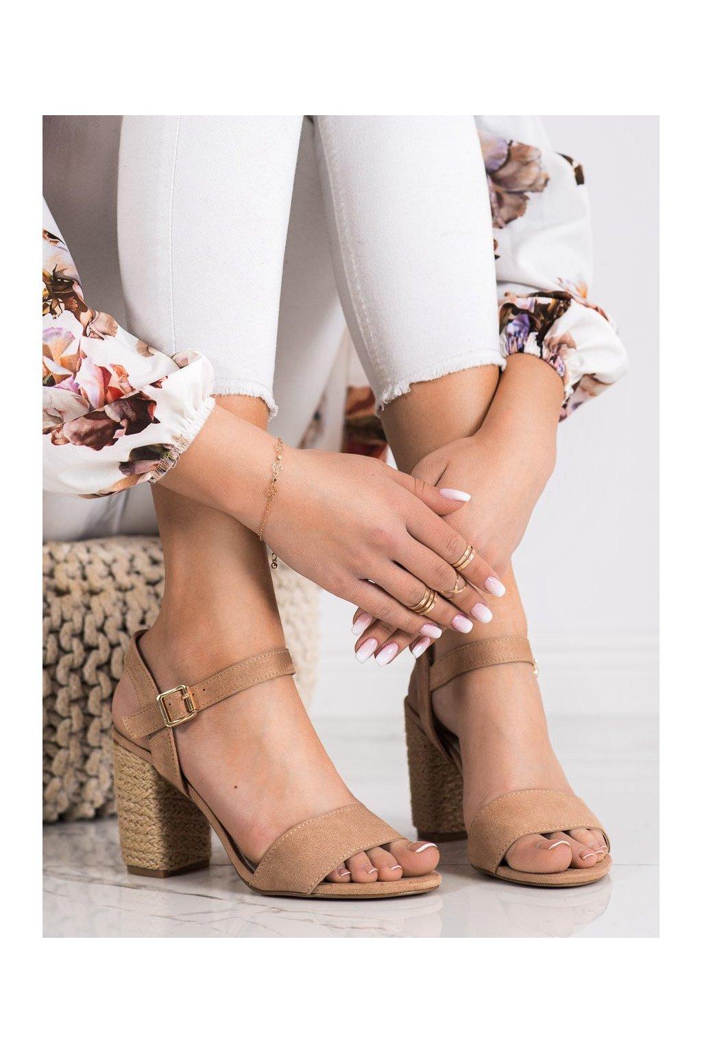 Hnedé sandále na podpätku Vinceza kod YQE21-17100BE