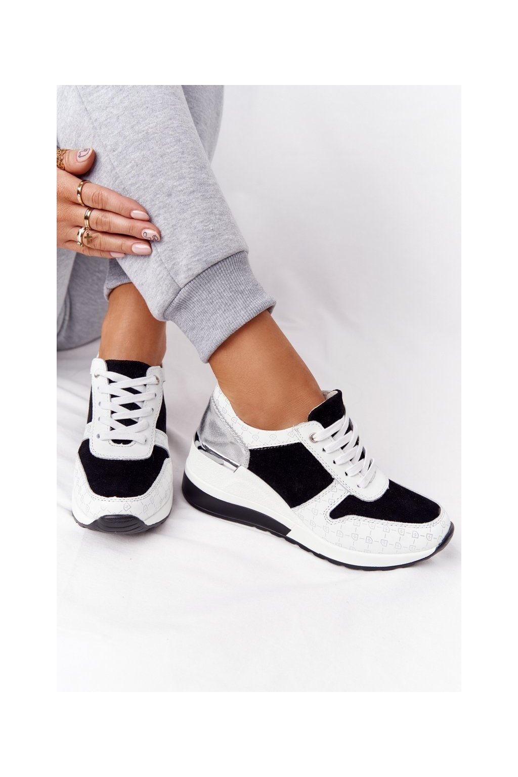 Dámske tenisky farba čierna kód obuvi 97687 BLK/WHITE
