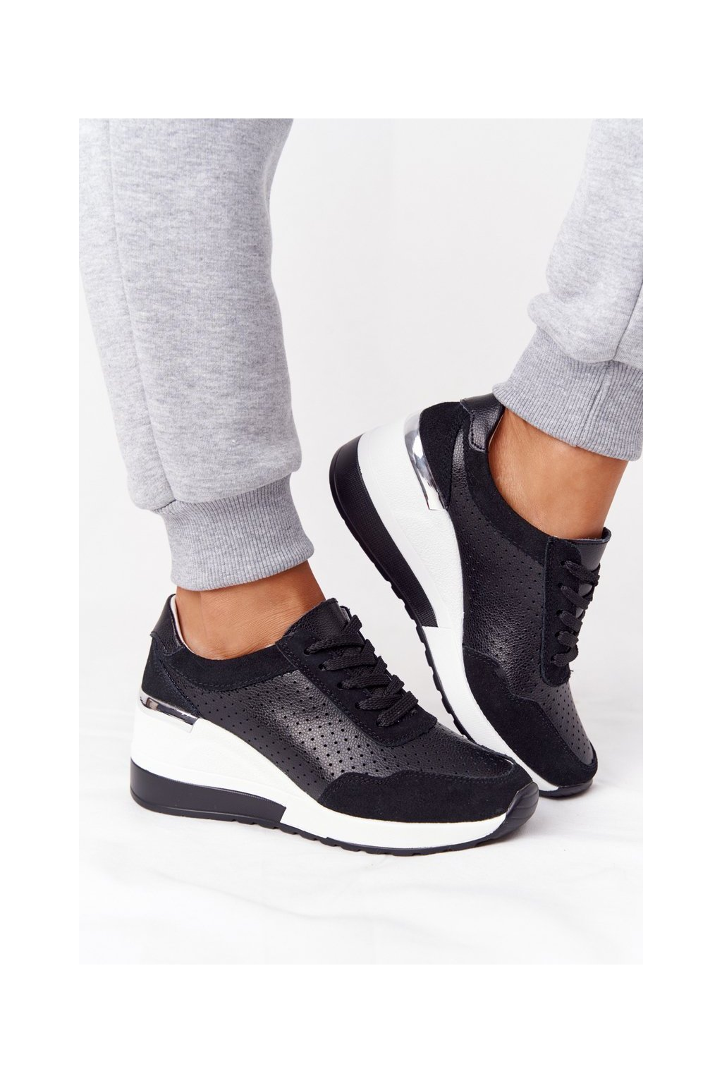 Dámske tenisky farba čierna kód obuvi 97799 BLACK