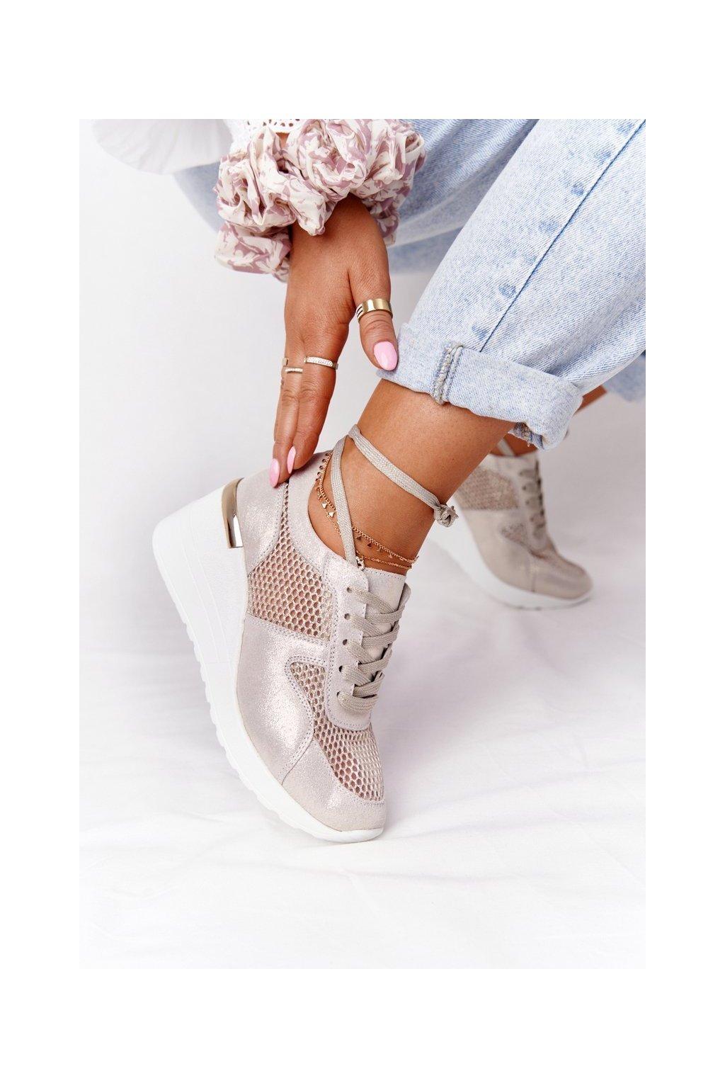 Dámske tenisky farba biela kód obuvi 97705 GOLD