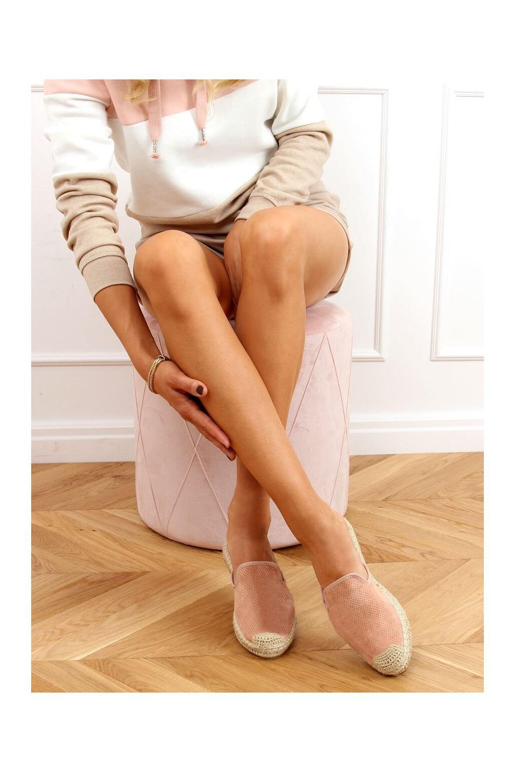 Dámske sandále ružové na plochom podpätku 4821